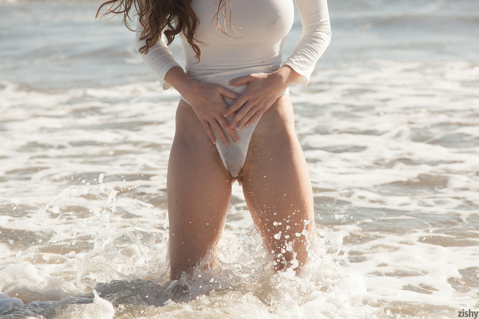Avri Gaines Beach Dont Care Pt 1 - 5
