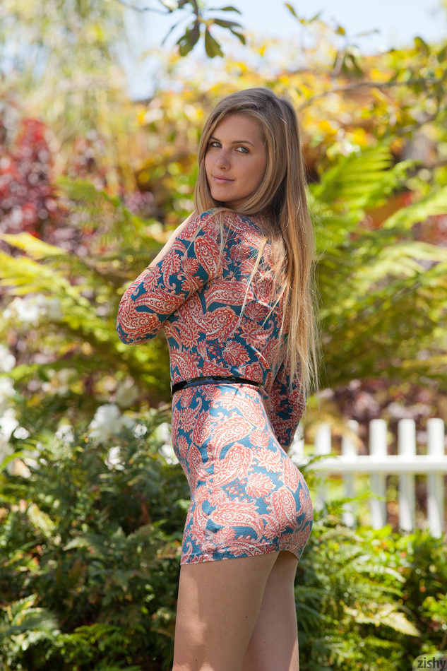 Holly Benson Blonde Landscaping - 1