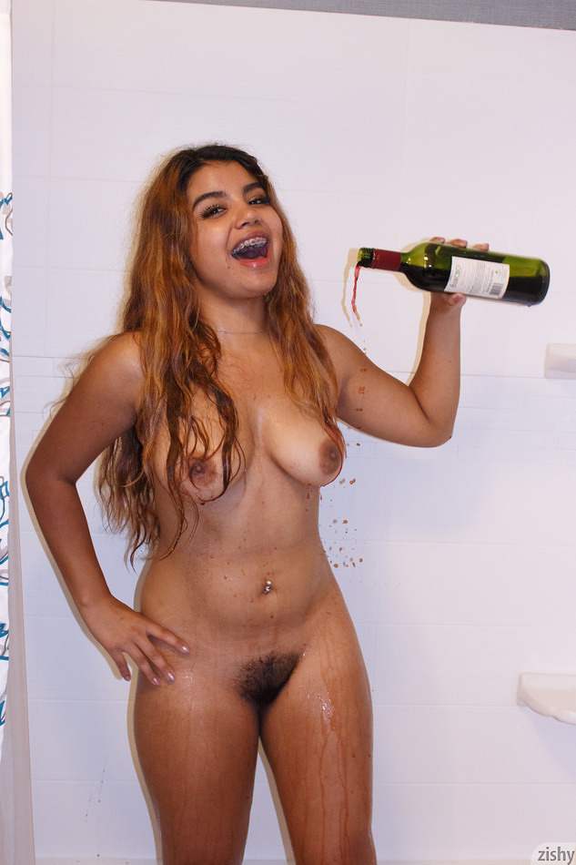 Jasmin Veracruz Drinks Sancho - 6