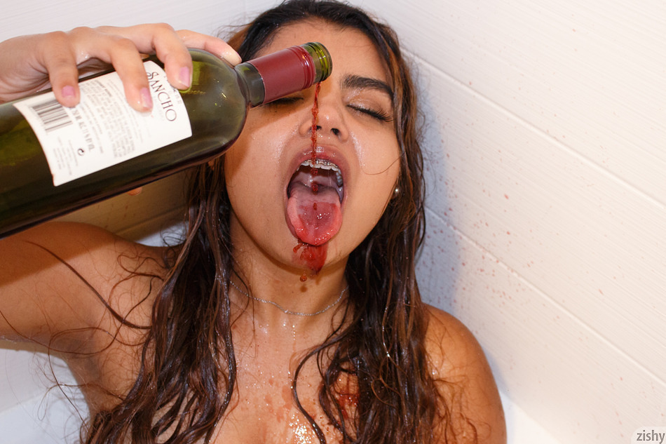 Jasmin Veracruz Drinks Sancho - 8