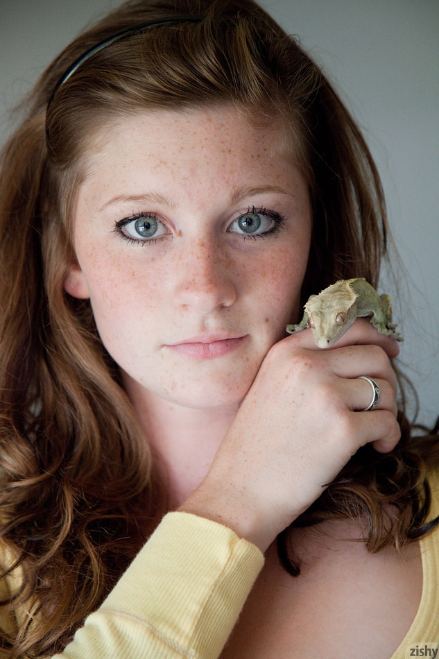Jordyn Briese Loves Reptiles - 1