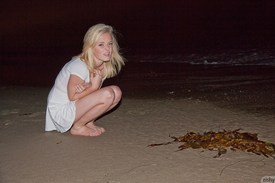 Kenze Thomas After Hours Beach - 2