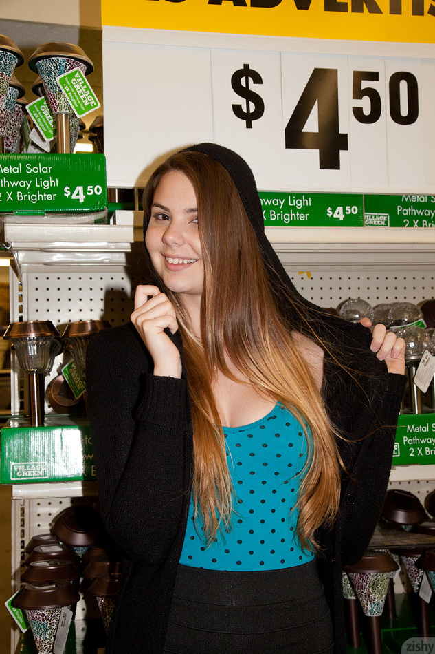 Lindsay Bare Visits Big Lots - 5