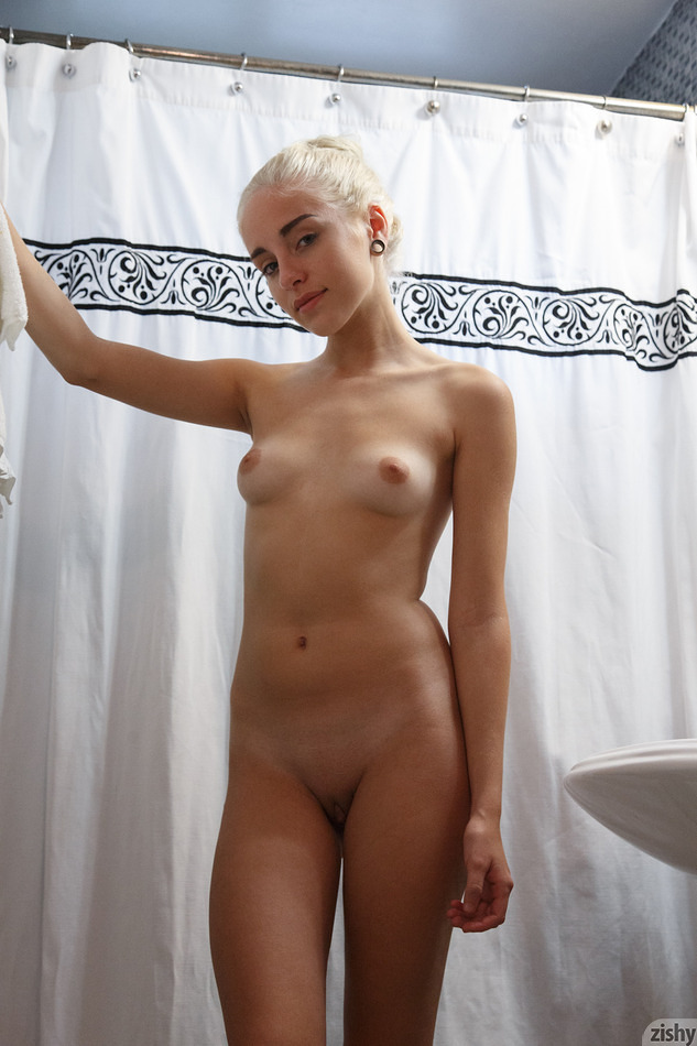 Naomi Woods Khaleesi On Drugs - 3