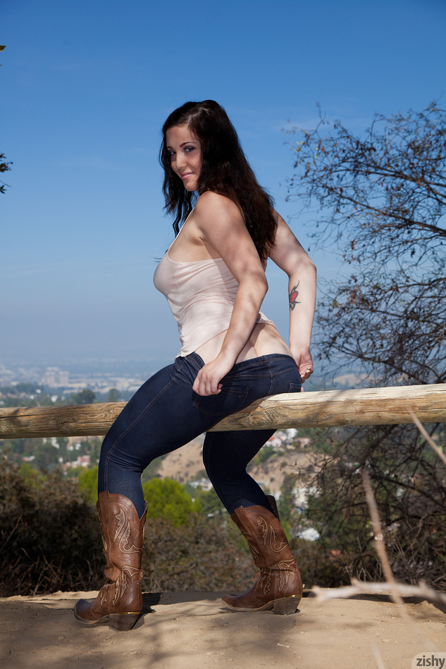 Noelle Easton Mountain View - 3
