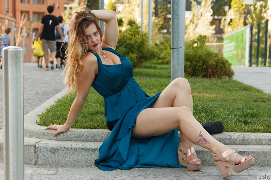 Sera Rossini In New Age Italy - 2