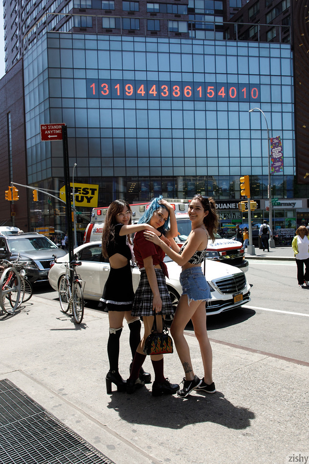 Three Girls One Schlub - 2